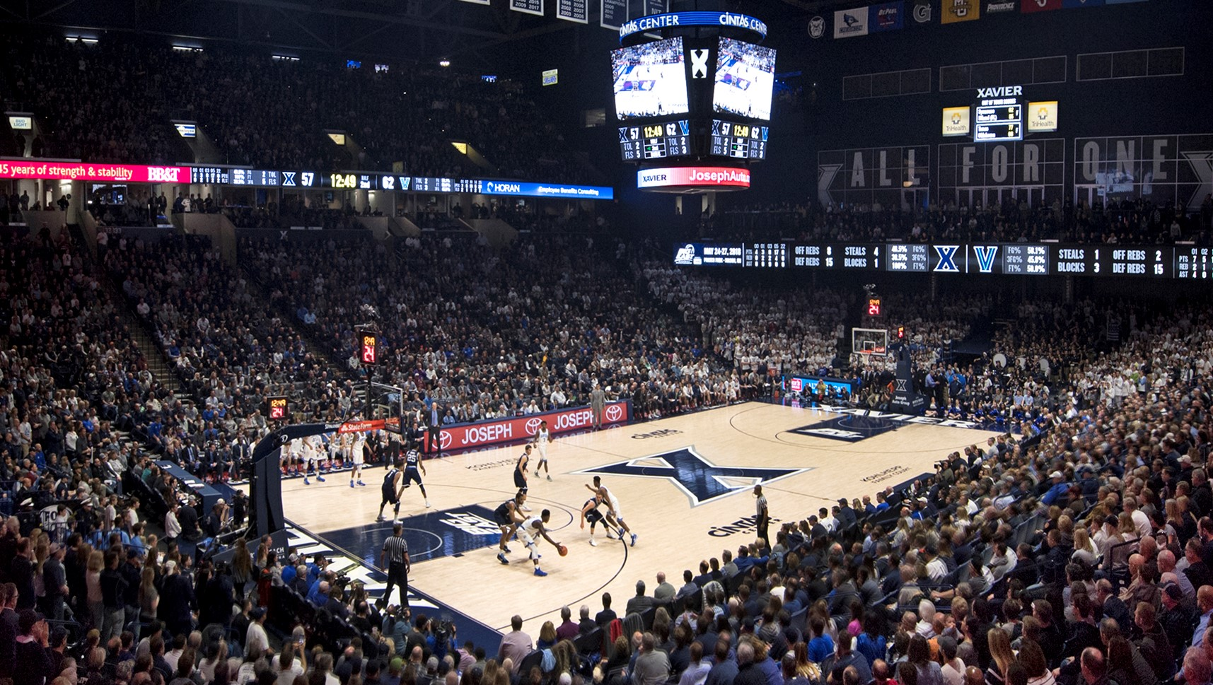 Men s Basketball Sets Season Ticket Sales Record - Xavier University ... cec3dfb89